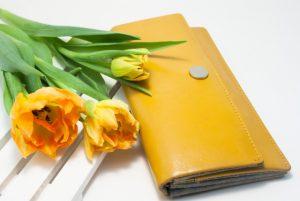 チューリップと財布