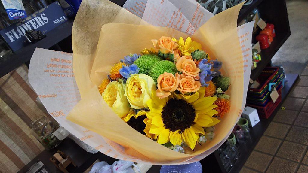 オレンジ・イエローの花束